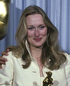 Meryl Streep Meryl Streep, Klaus Maria Brandauer, Kramer Vs Kramer, Golden Globe Nominations, Robert Redford, Best Actress, Short Hairstyles, American Actress, Divas