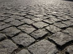 Antique Cobblestone - Northern granite cobblestone driveway pavers early urban cobblestone Old World Bricks Cobblestone Driveway, Brick Driveway, Brick Paving, Paver Walkway, English Country Manor, Weekend House, Urban Architecture, Outdoor Flooring, Driveways