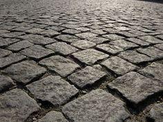 Antique Cobblestone - Northern granite cobblestone driveway pavers early urban cobblestone Old World Bricks