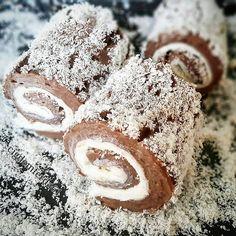 Paşa Lokumu Tarifi için Malzemeler 1 litre süt Yarım paket yumuşak margarin 10 yemek kaşığı toz şeker 5 yemek kaşığı un 2 yemek kaşığı kakao 1 paket vanilya Hi