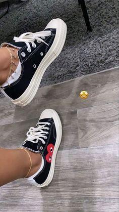 Dr Shoes, Kicks Shoes, Swag Shoes, Hype Shoes, Me Too Shoes, Cute Sneakers, Shoes Sneakers, Sneakers Fashion, Fashion Shoes