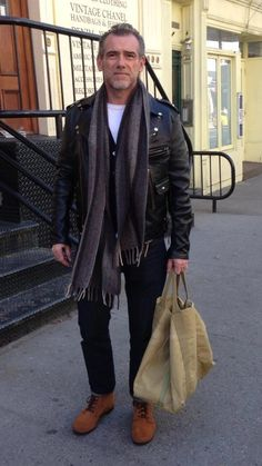 Alessandro Squarzi #alessandrosquarzi Mature Fashion, Boy Fashion, Mens Fashion, Stylish Men, Men Casual, Look Street Style, Fashion Quotes, Men Looks, Italian Street