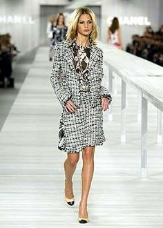 Chanel Spring 2004 Runway - Chanel Ready-To-Wear Collection