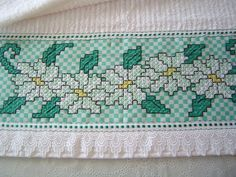 Chicken Scratch Patterns, Chicken Scratch Embroidery, Bordado Tipo Chicken Scratch, Swedish Weaving, Mini Album Tutorial, Crochet Wedding, Hand Embroidery Stitches, Bargello, Diy Arts And Crafts