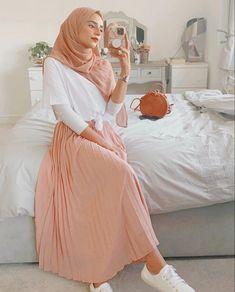 Stylish Hijab, Modest Fashion Hijab, Modern Hijab Fashion, Street Hijab Fashion, Modesty Fashion, Hijab Fashion Inspiration, Islamic Fashion, Muslim Fashion, Mode Inspiration