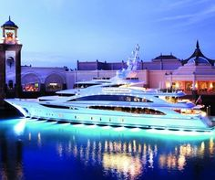 Ultimate 007 Mega yacht - Diamonds Are Forever
