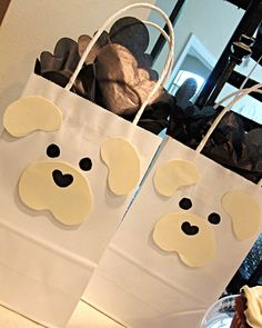 Puppy Bags and Puppy Party DIY ideas! I thought these were cute and perfect for putting party favors in for the guests!