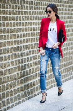 25 Stylish Outfits With Cuffed Jeans: Jamie Chung in blue cuffed boyfriend jeans together with a statement white T-shirt and red blazer The Effective Pictures We Offer You About Blazer Outfit mostaza Mode Outfits, Stylish Outfits, Fashion Outfits, Womens Fashion, Latest Fashion, Fashion Ideas, Fashion Styles, Fashion Trends, Style Work