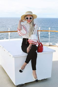 A peek at the gorgeous Ruby Princess from our Alaskan cruise with Princess Cruises along with an example of a nautical-inspired cruise ship outfit idea. Cruise Outfits, Fall Outfits, Fashion Outfits, Christmas Cruises, Cruise Pictures, Yosi Samra, Alaskan Cruise, Princess Cruises, Colorful Fashion