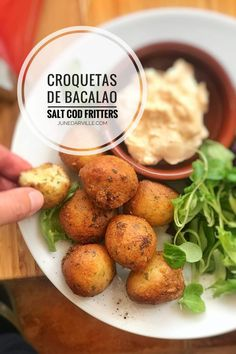 Homemade salt cod and potato croquettes, or Spanish croquetas de bacalao. These fish croquettes are super easy to make and highly addictive. Fish Croquettes Recipe, Salmon Croquettes, Potato Croquettes, Tapas Recipes, Fish Recipes, Seafood Recipes, New Recipes, Cooking Recipes, Cuban Recipes