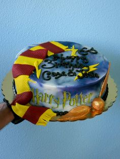 Legacy Cakes Bakery in Grapevine is the best, proof: Harry Potter cake. Harry Potter Treats, Gateau Harry Potter, Harry Potter Food, Cupcake Cakes, Cupcakes, Book Cakes, Bakery Cakes, Grad Parties, Themed Cakes