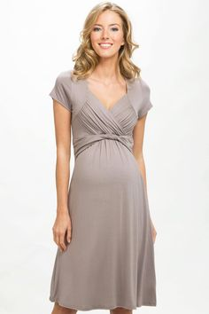 Robe de grossesse habillée taupe Jersey Tea Dress CRAVE MATERNITY Détail Photo
