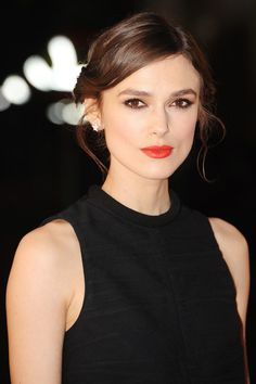 """No darling, I never wear foundation."" 