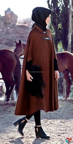 Nihan 2016 Kahverengi Panço Kış Sezonu | Kayra | Armine | Setrms | Aker | Alvina Arab Fashion, Turkish Fashion, Islamic Fashion, Muslim Fashion, Modest Fashion, Love Fashion, Dressy Casual Outfits, Hijab Casual, Hijab Outfit