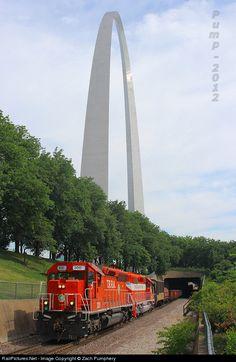 RailPictures.Net Photo: TRRA 300 Terminal Railroad Association of St. Louis EMD SD40-3 at Saint Louis, Missouri by Zach Pumphery