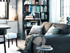 Sohva keittiön nurkassa