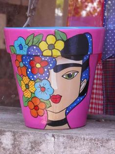 Crafts are fun experiences all of us can enjoy, providing we know how to sample our squares. Clay Pot Projects, Clay Pot Crafts, Diy Crafts, Flower Pot Art, Flower Pot Crafts, Painted Plant Pots, Painted Flower Pots, Pots D'argile, Clay Pots