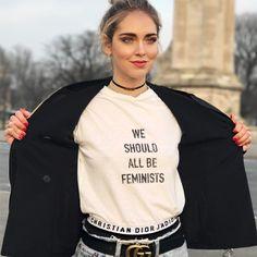 A t-shirt que toda fashion girl está usando