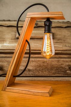 Woodworking Projects Diy, Woodworking Plans, Home Decor Furniture, Diy Home Decor, Bois Diy, Small Wood Projects, Wooden Lamp, Diy Décoration, Led Lampe