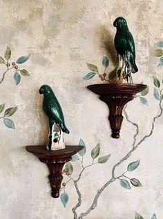 #ceramicsculpture #bottlegreen #brunswickgreen #distressedmural #avianaesthetic  #avianinterior #birbs #painteffects #distressedinterior #fresco #ceramicfigurines #figurines #ceramics #berrybush #decorativepainting #decorativeart #neutraldecor #naturaldecor Paint Effects, Nature Decor, Fresco, Art Decor, Projects To Try, Ceramics, Interior, Green, Painting