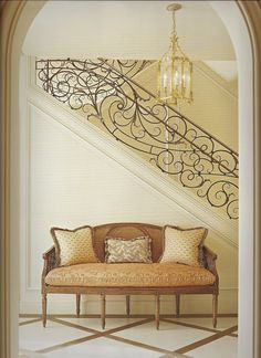 katiedid: ROOMS TO REMEMBER: The Classic Interiors of Suzanne Tucker