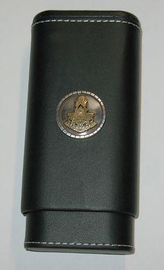 Black Leather Cedar Lined Cigar Case PAST MASTER Masonic Masons Emblem 2x60 Ring