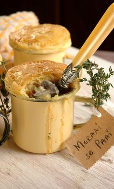 Meraai se Chicken Pie (Paai) (My easy cooking by Nina Timm. Best Lamb Recipes, Meat Recipes, Chicken Recipes, Cooking Recipes, Favorite Recipes, Recipies, Love Eat, Love Food, Kos
