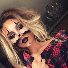 What if you could create a Halloween look where the focus was on the makeup? That is why we have found 43 easy Halloween costumes that only use makeup.