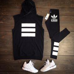 Altri arrivi super #cool per il #gentilsesso  #Maglia #vestito #adidasoriginals #teedress #oversize #leggings #print #black #adidastubular #tubularrunner #completo #outfit #outfitoftheday #dress #girl #girls @adidasoriginals #shoelosophy #exclusive