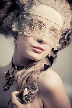 ☫ A Veiled Tale ☫ wedding, artistic and couture veil inspiration - Marie Antoinette inspired lace mask Marie Antoinette, The Mask Costume, Fashion Bubbles, Foto Fashion, Style Fashion, Fashion Design, Lace Mask, Masquerade Ball, Masquerade Costumes