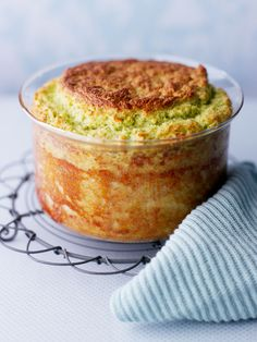 Broccoli and blue cheese soufflé recipe. This rich soufflé makes a fantastic centrepiece to your vegetarian Christmas menu. Cheese Souffle, Souffle Dish, Souffle Recipes, Broccoli Recipes, Vegetable Recipes, Veggie Food, Vegetarian Food, Chicken Recipes, Vegetarian Recipes