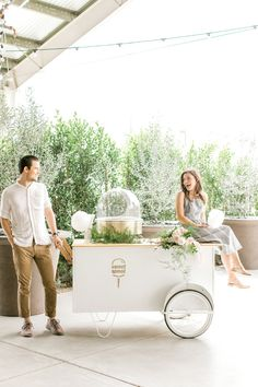 A fresh take on a minimal desert wedding! Cotton Candy Wedding, Wedding Candy, Wedding Desserts, Summer Wedding, Dream Wedding, Candy Stand, Sweet Carts, Ice Cream Cart, Candy Display