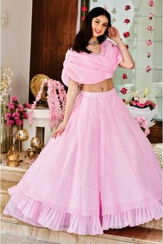 Latest Collection of Lehenga Choli Designs in the gallery. Lehenga Designs from India's Top Online Shopping Sites. Choli Designs, Lehenga Designs, Blouse Designs, Blouse Lehenga, Lehenga Choli, Lehnga Dress, Pink Lehenga, Bridal Lehenga, Pakistani Bridal