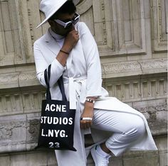 #Blogger #Stylemeautivation spotted wearing #dbrand long white coat #CRISP