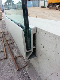 assembly of structures in Tenerife - Railing - Eco Steel structures Glass Handrail, Glass Balustrade, Building Systems, Building Materials, Garde Corps Metal, Garde Corps Design, Detail Architecture, Glass Balcony, Glass Panels