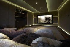 design de salon moderne avec vidéoprojecteur