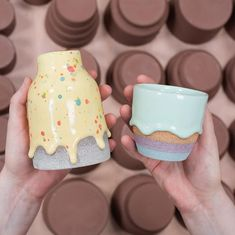 Ceramicist Creates Rainbow-Colored Pots and Vases Dripping with Thick Glaze Glazes For Pottery, Ceramic Pottery, Pottery Art, Pottery Ideas, 3d Printer Designs, Rainbow, Create, Sweet, Desserts
