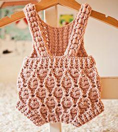 Crochet PATTERN – Elodie Romper (sizes and – Mundo de ganchillo Crochet Baby Dress Pattern, Crochet Romper, Romper Pattern, Baby Girl Crochet, Crochet For Kids, Baby Knitting Patterns, Baby Patterns, Crochet Hooks, Knit Crochet