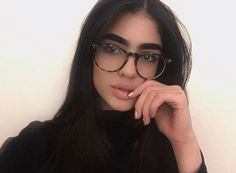 Little Nat big Nat Cute Glasses, New Glasses, Girls With Glasses, Glasses Frames, Glasses Style, Natalia Castellar, Lunette Style, Men Eyeglasses, Fashion Eye Glasses