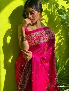 Indian Bridal Outfits, Indian Designer Outfits, Dress Indian Style, Indian Dresses, Saris, Lehenga, Festivals, Saree Poses, Sari Dress