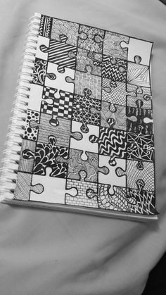 Easy Doodle Art, Doodle Art Designs, Doodle Art Drawing, Mandala Drawing, Black Pen Drawing, Easy Canvas Art, Small Canvas Art, Art Drawings Sketches Simple, Pencil Art Drawings