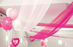 La Tenture de Décoration Géante LUXE en Organza, parfait pour créer des drapés et des tentures comme un vrai wedding planner. Peut décorer les mûrs, les plafonds.