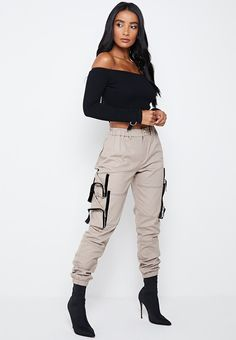 Shop Maniere De Voir's stylish selection of Tailored, Vegan Leather and Wide Leg Trousers available in a range of sizes with comfortable stretch. Dope Outfits, Chic Outfits, Trendy Outfits, Girl Outfits, Cargo Pants Women, Trousers Women, Women's Trousers, Black Girl Fashion, Teen Fashion