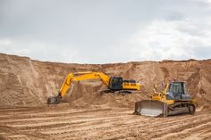 HItrades cites the importance of top site cut excavation equipment and services all over Australia. Types of machinery includes excavator, bulldozer, skid-steer loader, and compactor. Excavation Equipment, Top Site, Septic System, Prepping, Construction, Fun Ideas, Buildings, Activities, Store