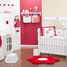 Quarto de Bebê sem Cama Babá Borboletas Vermelha