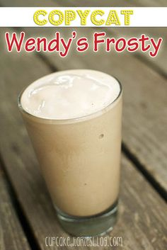 Copycat Wendys Frosty - Now you can make them at home with this easy recipe! | cupcakediariesblog.com