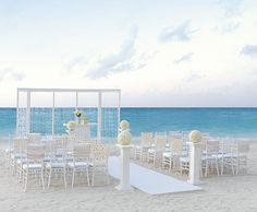 Modern destination wedding decor