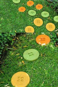 DIY Button Stepping Stones for Your Garden #garden #path by reva