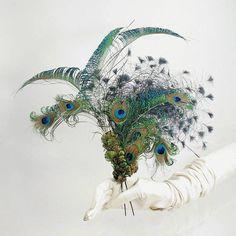 Peacock Feather Hairpin by Basia Zarzycka by basiazarzycka on Etsy