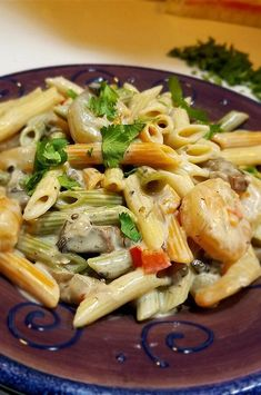"Peppered Shrimp Alfredo | ""Absolutely easy and fast recipe to prepare that has wonderful flavors. Even better the next day when the flavors have had a chance to marry."" #pasta #pastarecipes #pastainspiration #pastadinner #pastaideas #pastadinner #pastaideas Shrimp Alfredo Recipe, Penne Alfredo, Alfredo Sauce, Seafood Recipes, Pasta Recipes, Cooking Recipes, Pepper Shrimp, Pizza And More, Baked Ziti"